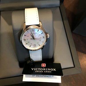Victorinox Swiss Army watch brand new